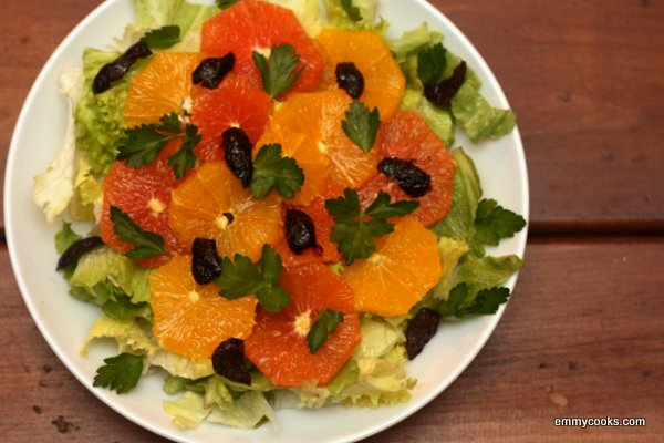 Green Salad with Oranges and Olives